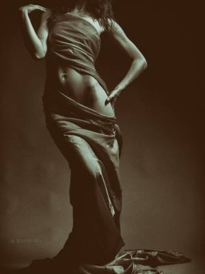Modernity in the composition of the torso. Photo-theater studio A. Krivitsky.